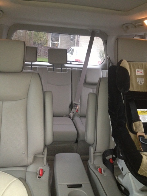 Checking Out The 2013 Nissan Quest Crunchy Carpets